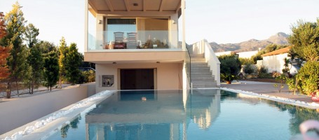 Beachfront property in Crete